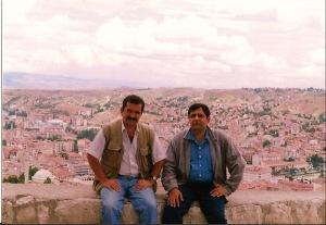 Turkiyalik jurnalist Kamol Chapraz bilan